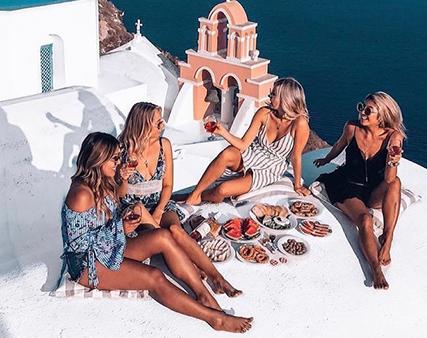 group of women at Aiza ladies night offer in Dubai